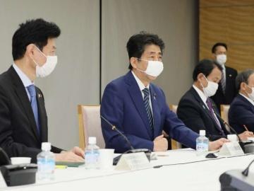 安倍首相が経済財政諮問会議を開催、緊急経済対策を指示