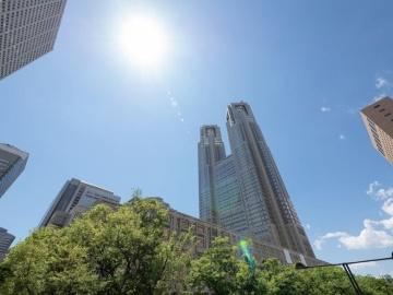 東京都で感染確認者が100人を突破、緊急事態宣言解除後では初