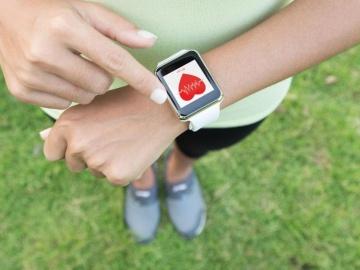 異例づくしの「Apple Watch」心電図機能等の国内承認