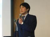 ステムリム、再生誘導ペプチドの開発経緯や展望を玉井教授が説明