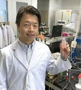 物質・材料研究機構国際ナノアーキテクトニクス研究拠点 岡本章玄 独立研究者
